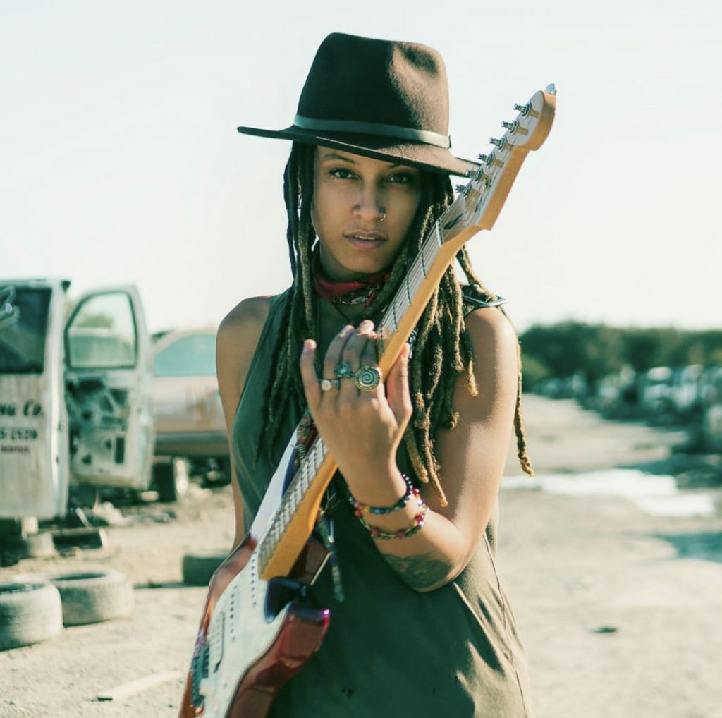 Shevonne-Rock-female-singersongwriter-Tampa